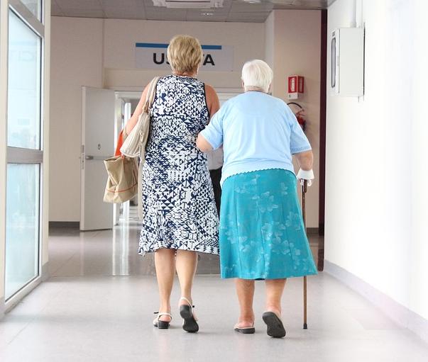 高齢者廊下